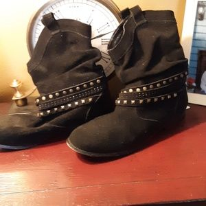 TWIGGY SUEDE BOOTS 8.5